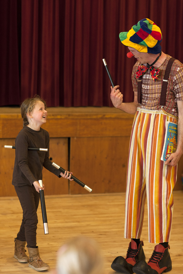 Circus workshop met clown OkiDoki